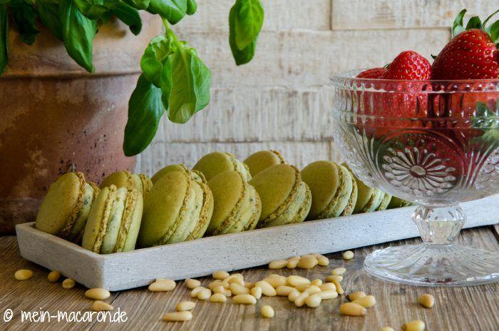 Rezept, Macarons aus Pinienkernen mit Basilikum-Ganache.