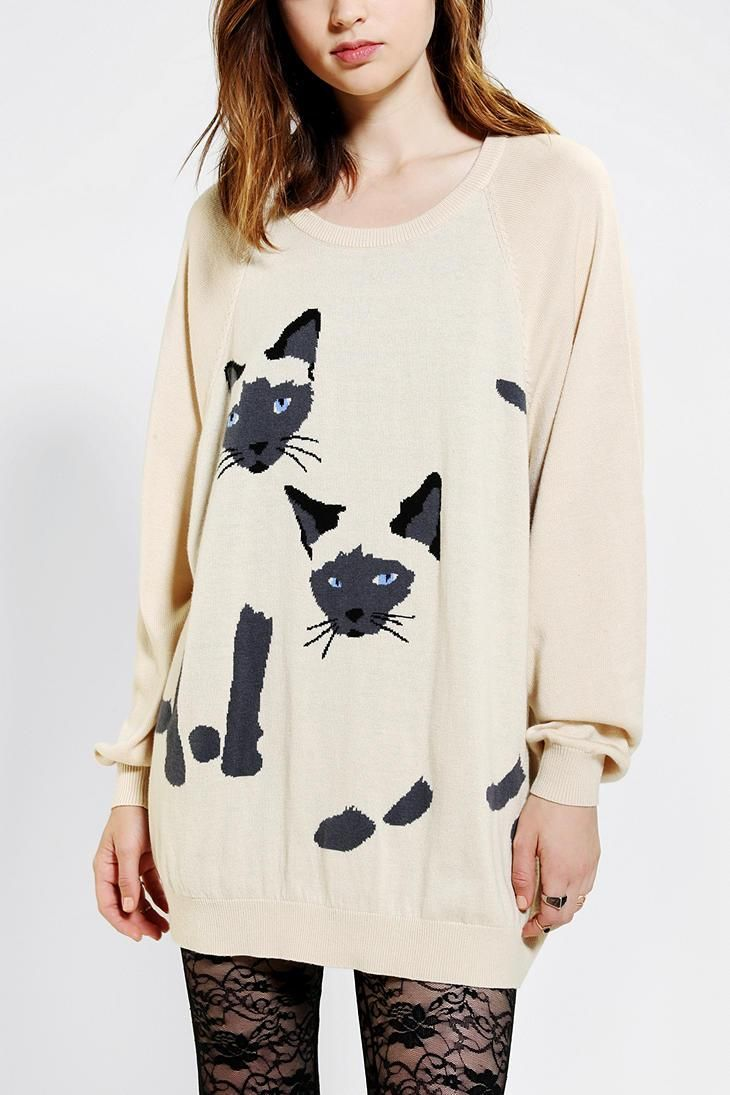 Slouchy Cooperative sweater with intarsia Siamese cat details. #catober
