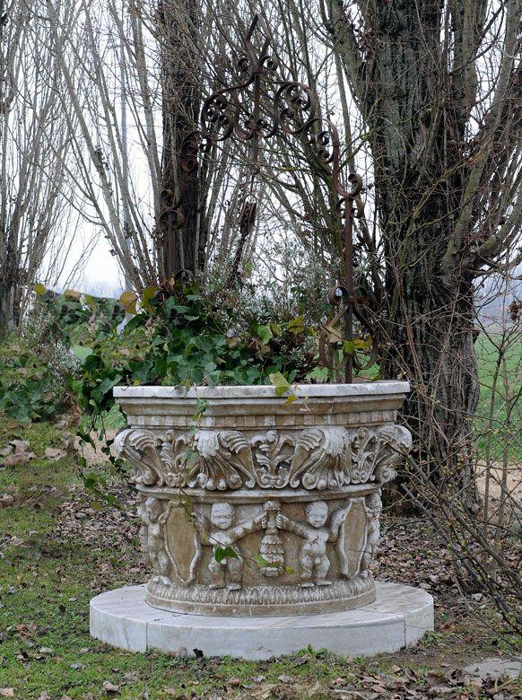 Brunnenbecken Mit Putten Brunnen Weisser Marmor Und Marmor