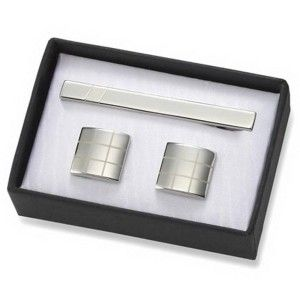 Green Ace Silver 2 Tone Grid Brass Cuff-links with Matching Tie Bar Free Engraving! 2 First impressions do matter and he will leave a good one with these cuff links with matching tie bar.Tone cuff-links with the matching tie bar.  http://awsomegadgetsandtoysforgirlsandboys.com/awesome-21st-birthday-gifts/ Awesome 21st Birthday Guys: Green Ace Silver 2 Tone Grid Brass Cuff-links with Matching Tie Bar
