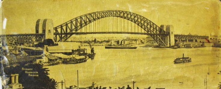 Photograph, Sydney Harbour Bridge, mounted, celluloid/tin; [1932-1940]; 2014.58.3