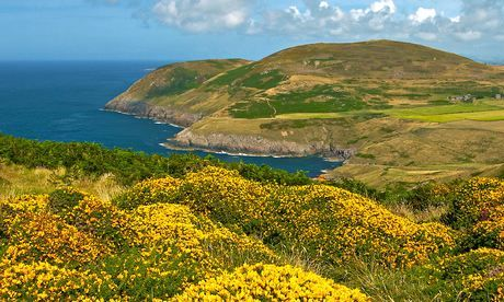 Travel tips with Corliss Group: Holidays in Wales, and this week's best deals-Known as the Dragons Tail, this 30-mile peninsula poking into the Irish Sea feels like a place apart: a stronghold for Welsh language and culture with a distinct microclimate which can see it basking in sunshine while the rest of north Wales is lashed by rain.