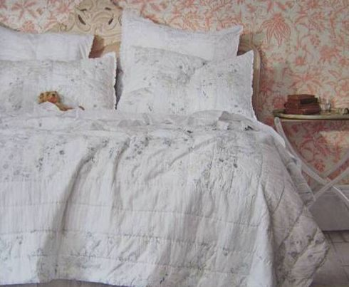 i absolutely love it it is simply shabby chic by rachel ashwell sold at target