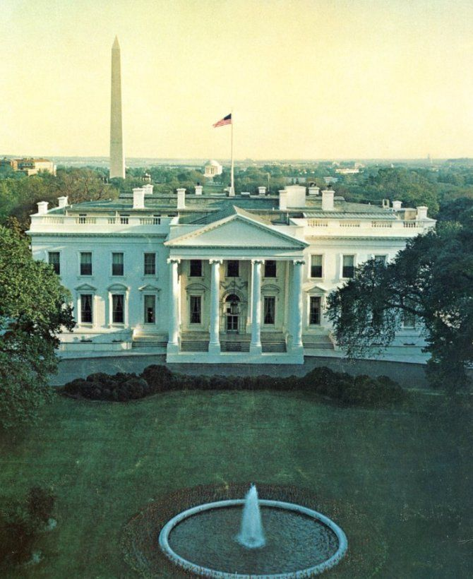 ea869984287e50ef7f9eeeef3e2a4236 The #WhiteHouse is the official residence and workplace of the President of the United States. It is located at 1600 Pennsylvania Avenue NW in Washington, D.C