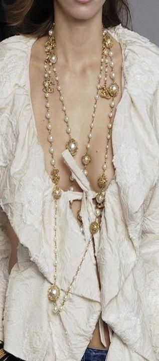 Chanel fashion in details ♥✤ | Keep Smiling | BeStayBeautiful