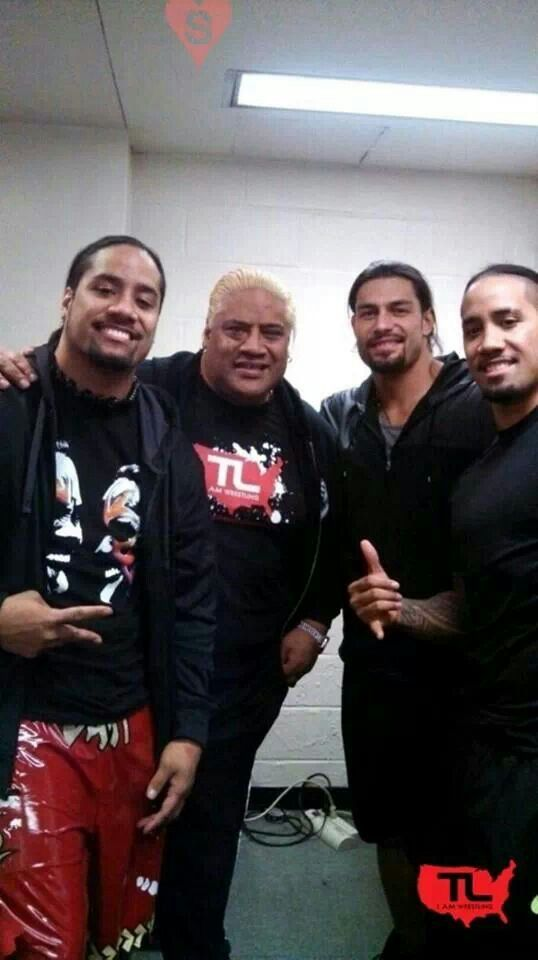 Rikishi, Jimmy & Jey Uso, & Roman Reigns backstage at RAW  Samoan wrestling family for the win.