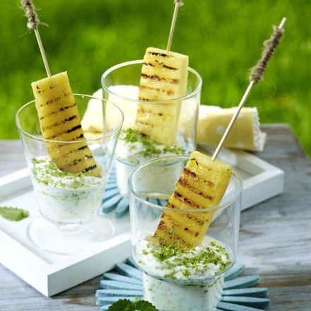 Gegrillte Ananas mit Kokos-Minzjoghurt Rezept