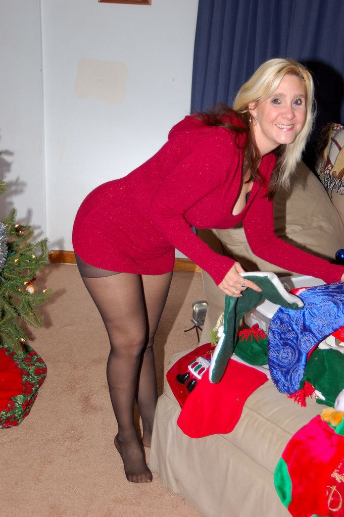 Mature pantyhose leg picture share your