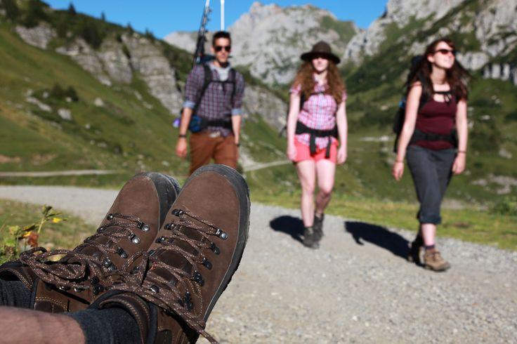 Ob gemütliche #Spaziergänge und leichte #Wanderungen rund um einen der vielen #Seen, moderate #Hüttenwanderungen oder richtig anspruchsvolle #Bergtouren - in und um #Füssen findet jeder #Wanderer zahlreiche interessante Routen.  http://www.hotelfantasia.de/de/blog/wandern-in-und-um-fuessen.html
