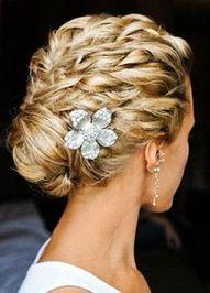 Pretty Braided Bun...Would love your hair like this!Hair Ideas, Up Dos, Bridesmaid Hair, Wedding Updo, Prom Hair, Bridal Hair, Hair Style, Wedding Hairstyles, Curly Hair