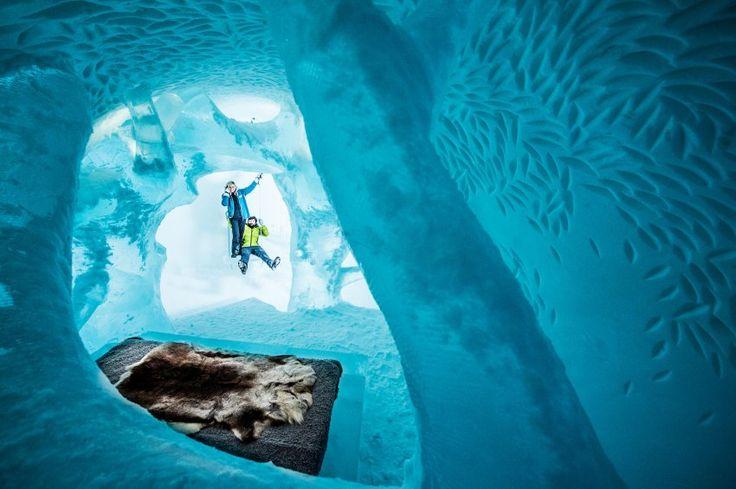 1000 Tonnen Eis benötigen die Macher des Eishotels, um die Touristenattraktion...