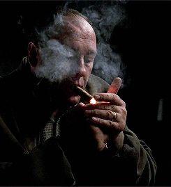 """poerobots:  """"""""Каким человеком я могу быть, где его собственная мать хочет моей смерти?"""" - Тони Сопрано  """"Иногда сигара-это просто сигара"""". – Зигмунд Фрейд  """""""