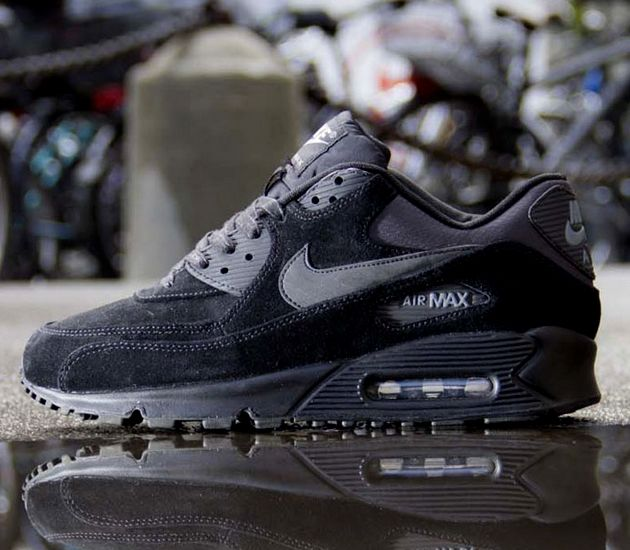 Love it Denim and Suede NIKE AIR MAX
