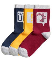 3 paria sukkia  sukkia kuluu koossa 41-42 tykkää erikoisista.