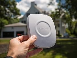 Ready to start building out your smart home? CNET editors' reviews of the best smart home devices include product photos, video, and user reviews.