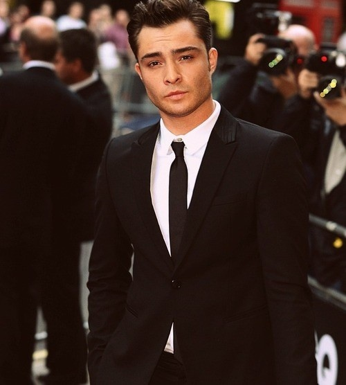 mmmm ed westwick! - Click image to find more People Pinterest pins: Ed Westwick, Edwestwick, Chuckbass,  Suits Of Clothing, Beautiful, Black Suits, People, Chuck Bass, Gossip Girls