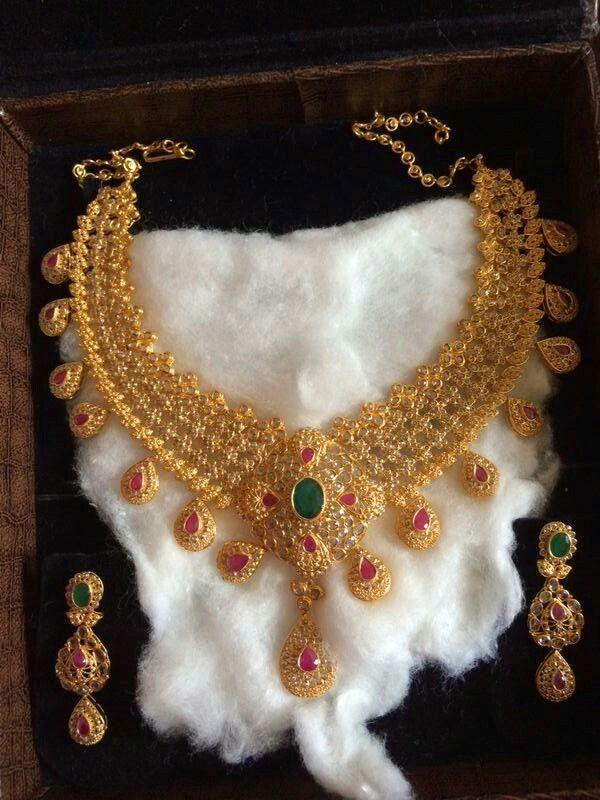 Beautiful uncut diamond necklace