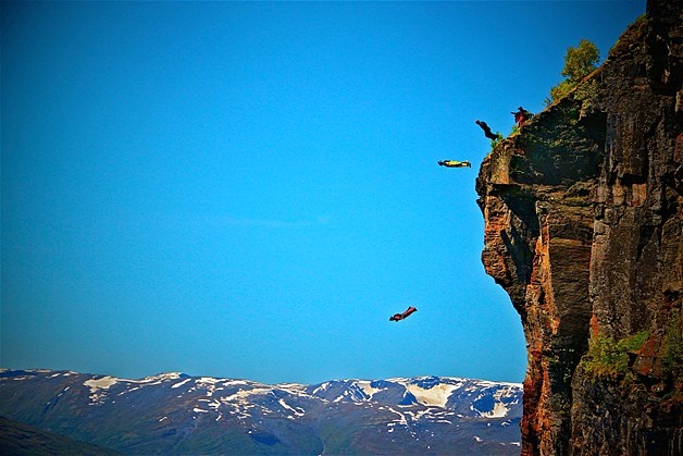 BASE jumpers in Gridsetskolten, Innfjorden, Norway: Art Wing, June 26, Msn Photos, Earth Safely, Daredevils Depend, Jumpers Hurl, Flimsy Parachute