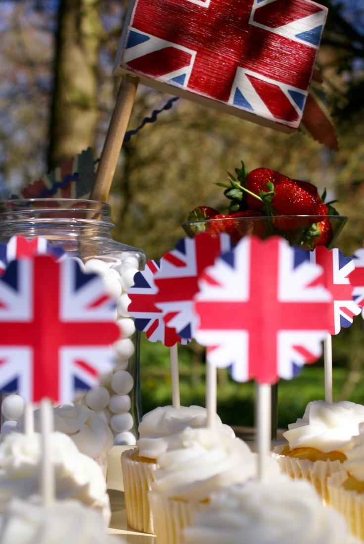 Free British Picnic prints! Love the strawberries too!