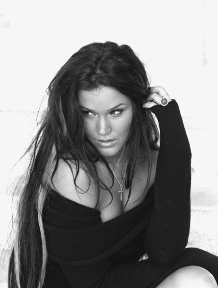 Joss Stone.  Dark hair with blonde streaks!: Soul Voice, Dark Hair With Blondes Streaks, Beautiful Women, Bw Musicians, Joss Stones, Holidays Quotes, Stones Photos, Beautiful People, Music Artists