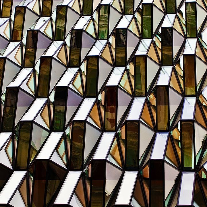 Patterns in Melbourne Architecture by Teng Tan.