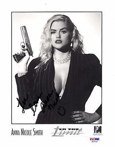 Anna Nicole Smith Signed Vintage Promo Photo - PSA LOA