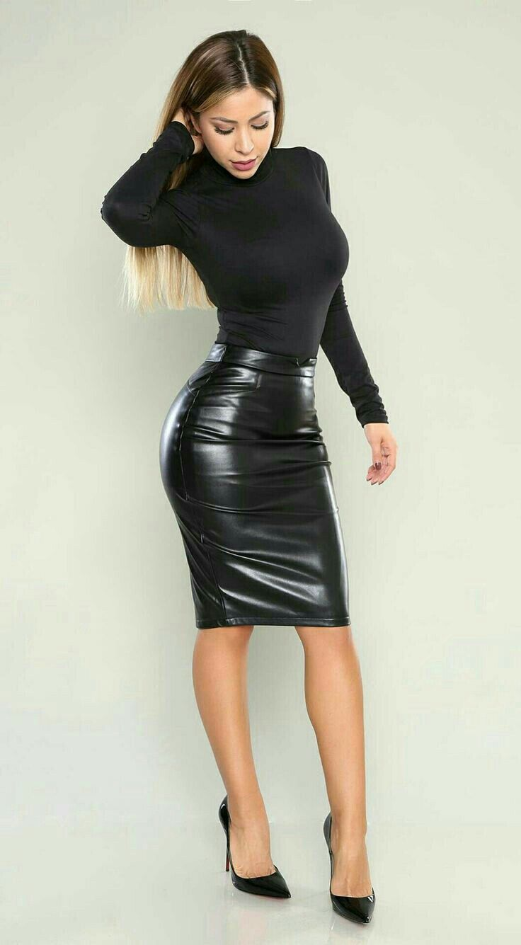 114c3f88078 Turtleneck and leather pencil skirt