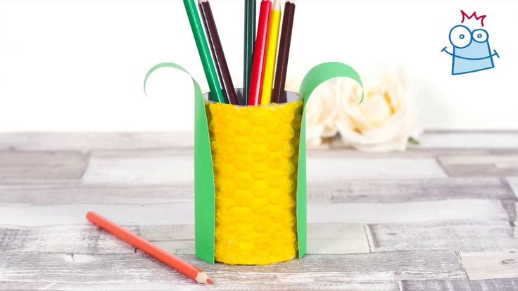 Create a corn pen pot with this harvest inspired craft.
