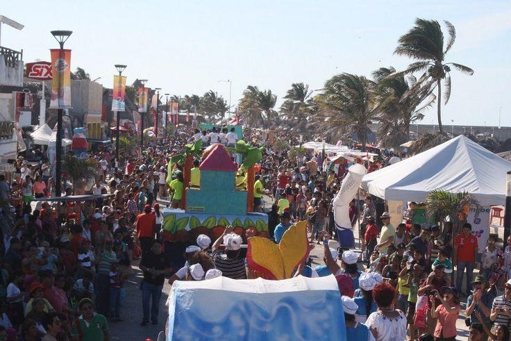 Derroche de alegría en el domingo de Carnaval del Mar, Progreso 2015