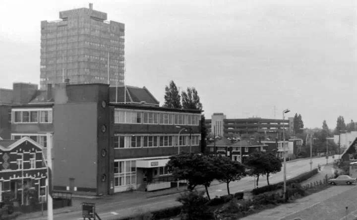 Provincialeweg 126 in de tijd dat het een politiebureau was van de politie Zaanstad. Moet na 1974 zijn geweest.