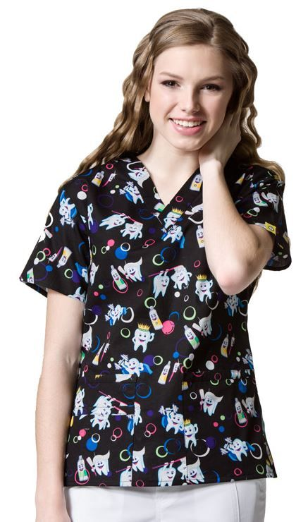 So cute and so functional, this Pearly Whites print from WonderWink is a V-neck scrub top that has lots of places to store things. #DentalScrubs