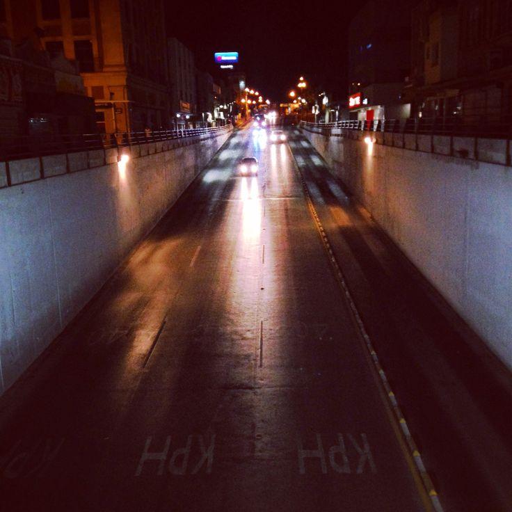 Otra vista del centro y sus luces nocturnas.