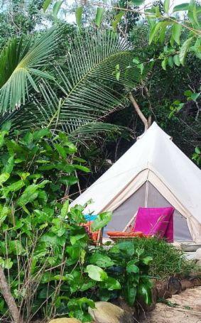 Ça c'est notre genre de camping! Tu viens nous voir à Koh Rong, au Cambodge?