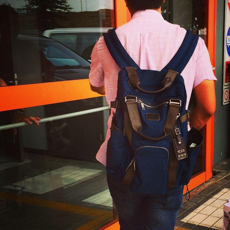 Si eres #ejecutivo #comercial y estas pensando en cambiar tu #maletín #backpack #mochila  pásate por #outletgacela #thebackpack y llévate los #last al mejor precio by #simbiosctv & #simbiosc , #nosvemosenlastiendas