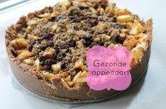 Recept voor een gezonde suikervrij, glutenvrije en lactose vrije appeltaart die gezond en heel erg lekker is. Gemaakt van superfoods, appels, nootjes en heel veel lekkers.