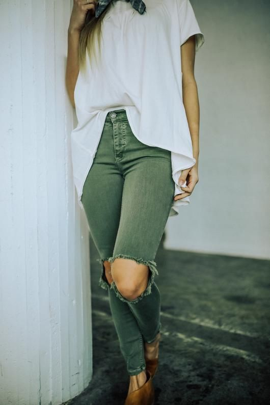 0856df01d Pin by a b b y p o r t e r on wear☆ | Fashion, Jeans style, Emma style