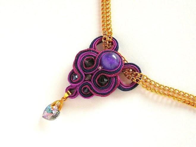 Embroidered soutache necklace/pendant.Soutache jewelry.Soutache embroidery.Beaded necklace.Purple.Gold.Heart.Chain.Amethyst.Natural stone.