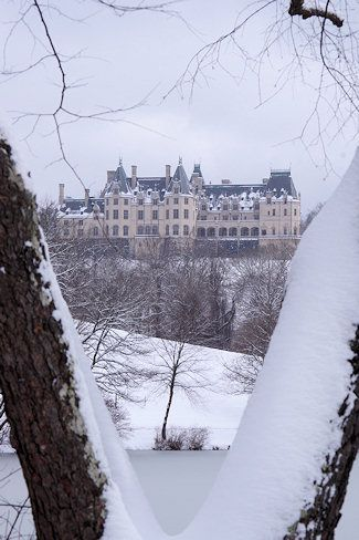 Snow at Biltmore House // Asheville, NC #travel