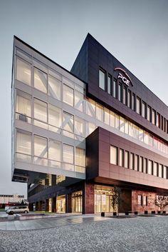 PGE GiEk Concern Headquarters / FAAB Architektura Adam Białobrzeski | Adam Figurski