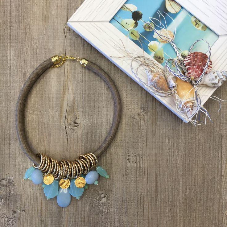 #duepuntihandmade #handmade #handmadewithlove #handmadejewelry #necklace #summer #waitingforsummer #ilovediy #diy #doityourself #pearls #finalmenteilsole #colors #seacolors #new #blue #sea
