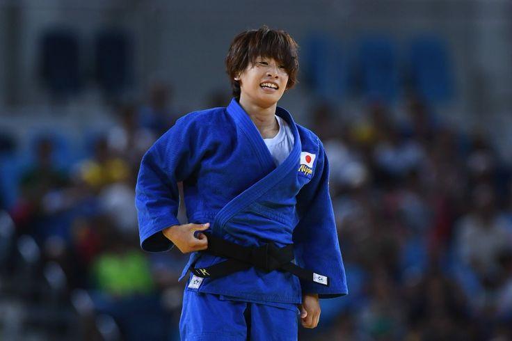 リオ五輪第1日。柔道。女子48kg級の近藤亜美が銅メダルを獲得し笑顔を見せる=ブラジル・リオデジャネイロ
