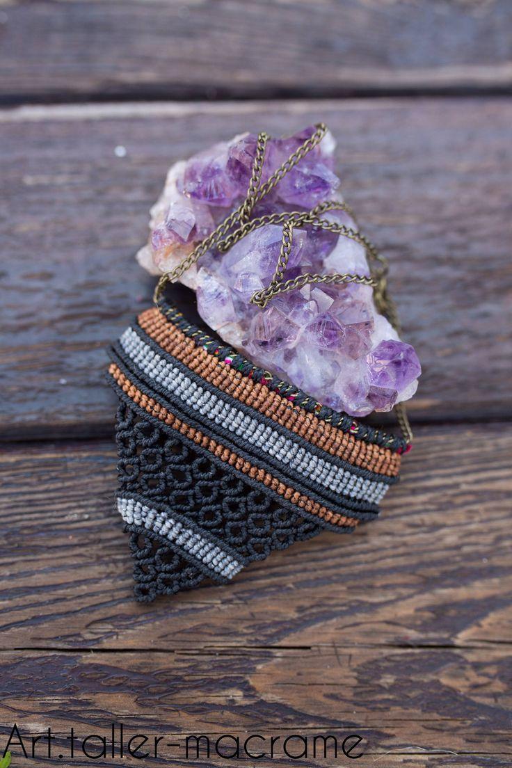 Quiero compartir lo último que he añadido a mi tienda de #etsy: Collar macramé, hecho a mano, étnico, sencillo artesanal http://etsy.me/2EkfXed #joyeria #collar #negro #cierreconpestanadeseguridad #laton #no #mujer #gris #espiga