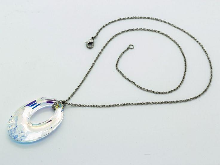 Nemesacél nyaklánc Irizáló Swarovski kristályos medállal