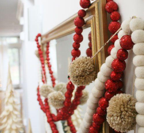 DIY: Pom Pom GarlandChristmas Crafts, Pom Poms, Pompom, Holiday Happy, Pom Pom Garlands, Christmas Garlands, Garlands Diy, Bright Colors, Diy Christmas