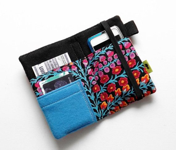 Dono di womans portafoglio piuttosto a mano iPhone 5 di TLCPouches, $29.00