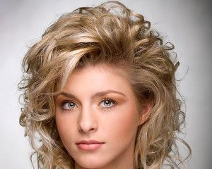 different of hair styles best 25 layered curly hairstyles ideas on 8154