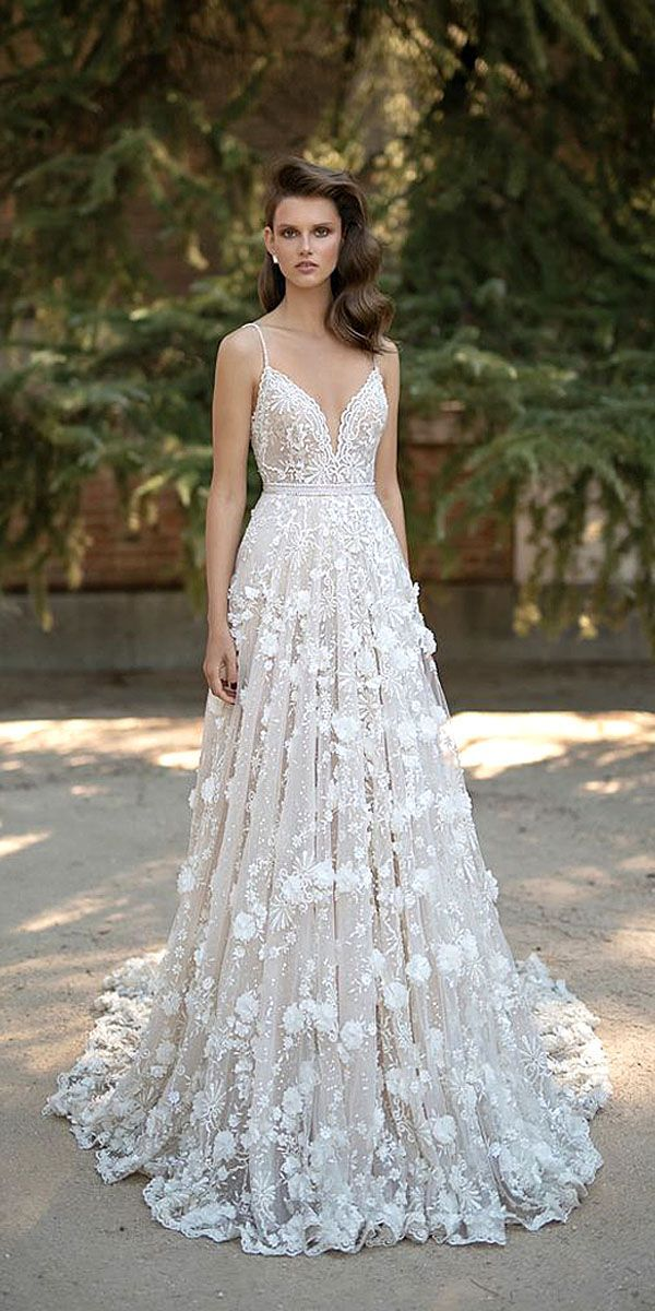 Stunning  Floral Wedding Dresses That Are Incredibly Pretty