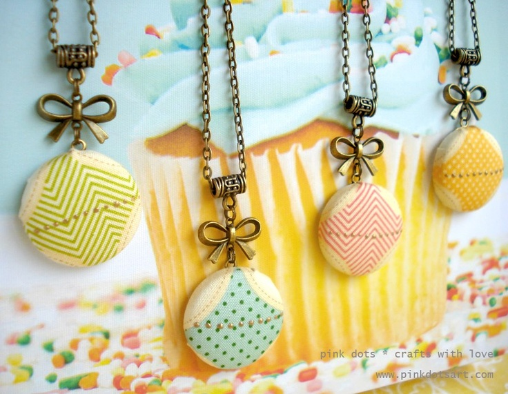 Fabric Covered Button Necklaces by Pink Dots (Magna Ribeiro)