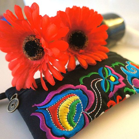 Black Ethnic Style Vintage Embroidered Coin Purse – Stuff I Want