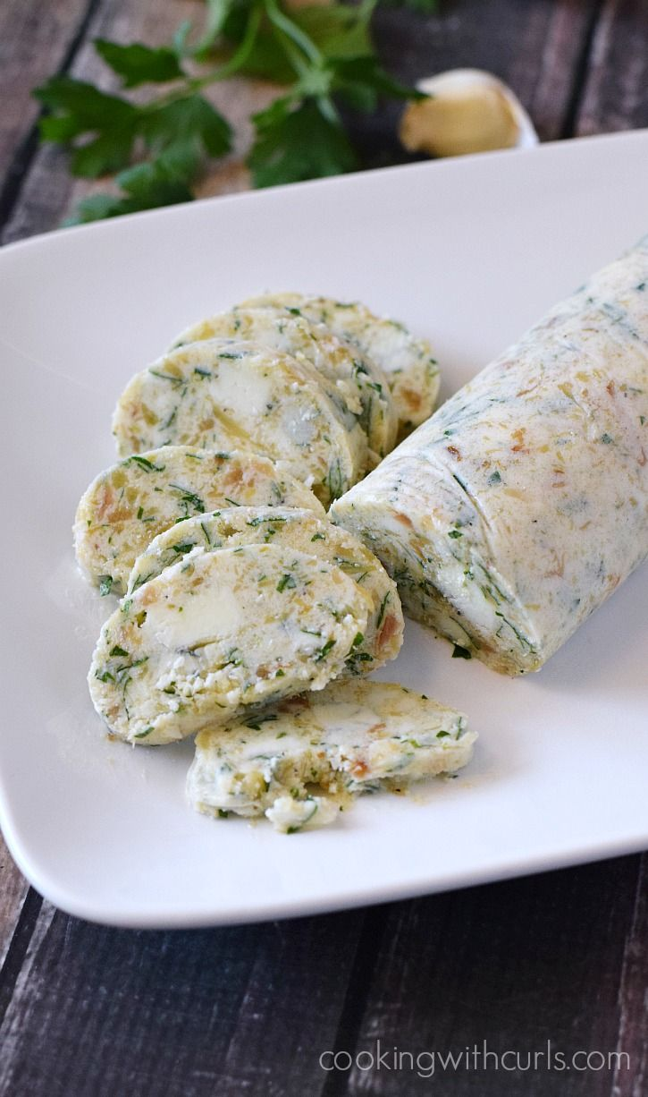 Gorgonzola Butter - perfect on steaks and baked potatoes for a little something extra | cookingwithcurls.com